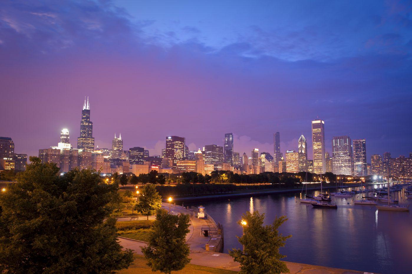 CITY_Chicago_CityLights_Harbor